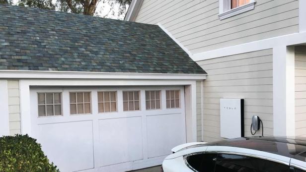Extrem Tesla nennt Preis für Solar-Dach und nimmt Bestellungen an HF32