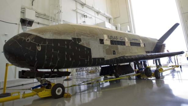 Das X-37B Raumfahrzeug besitzt eine 2,1 mal 1,2 große Ladebucht.