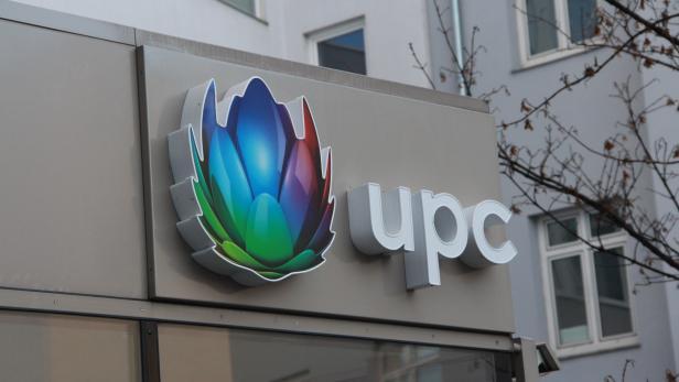 UPC Logo auf Gebäude