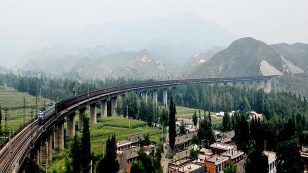 Die Sho Huang Line ist eine Güterzugstrecke in China, die Huawei vollständig mit LTE-Technologie ausgestattet hat.