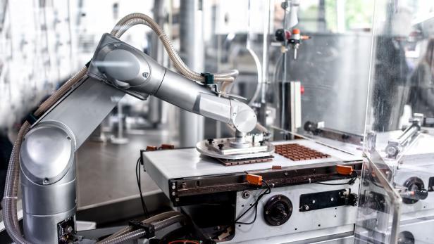 Roboter in Fabrik