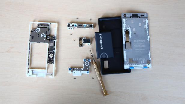 Die Einzelteile des Fairphone 2