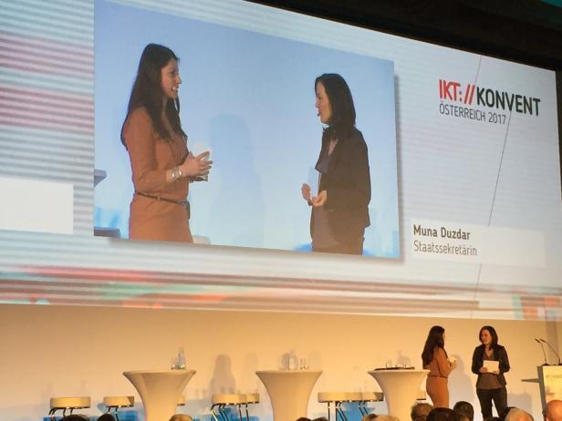 Muna Dudzar beim IKT-Konvent