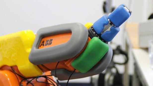 AirSkin überzieht Roboterarme, um Bewegungen bei Berührung mit Hindernissen sofort zu stoppen