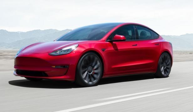 Neues Tesla Model 3 ist da: Günstiger und mehr Reichweite ...