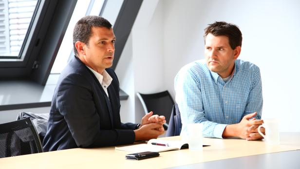 ÖBB-Sprecher Michael Braun (li.) stellt sich der Kritik
