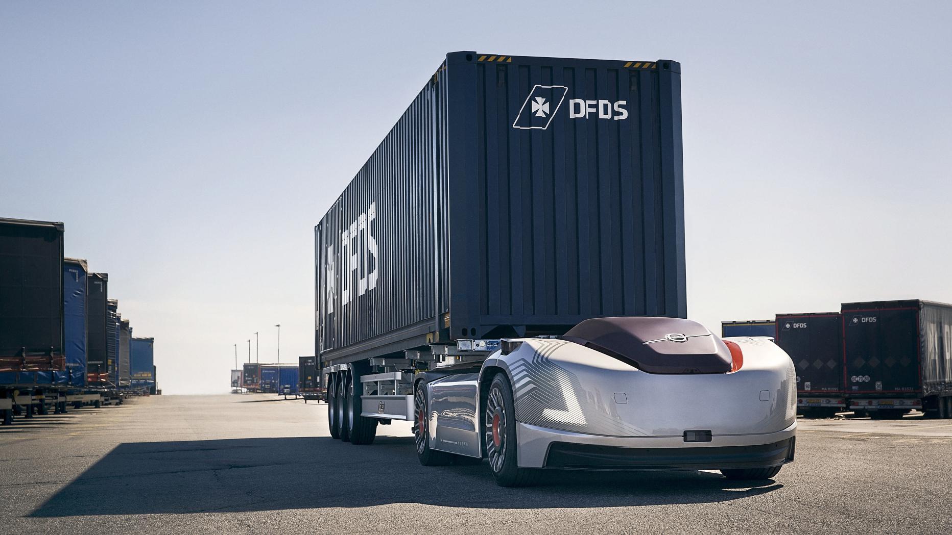 selbstfahrendes eauto transportiert lkwcontainer in schweden