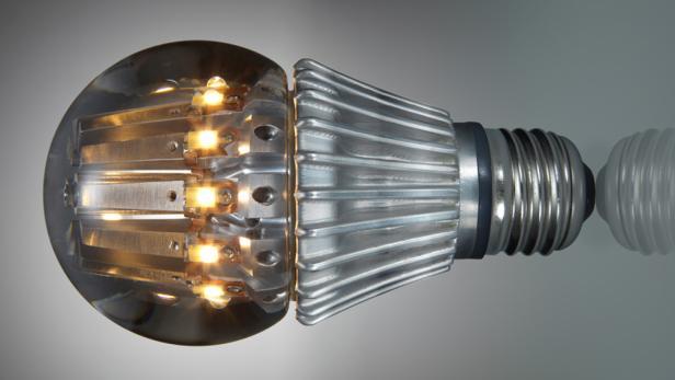 led lampe 100 watt licht mit 14 watt verbrauch. Black Bedroom Furniture Sets. Home Design Ideas