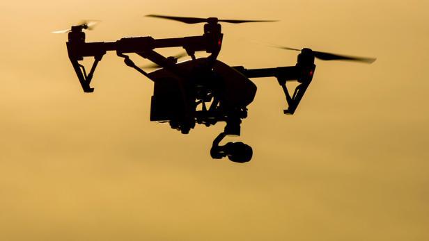 Drohne mit dildo