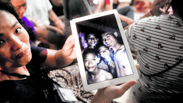 CORRECTION-THAILAND-ACCIDENT-WEATHER-CHILDREN-CAVE