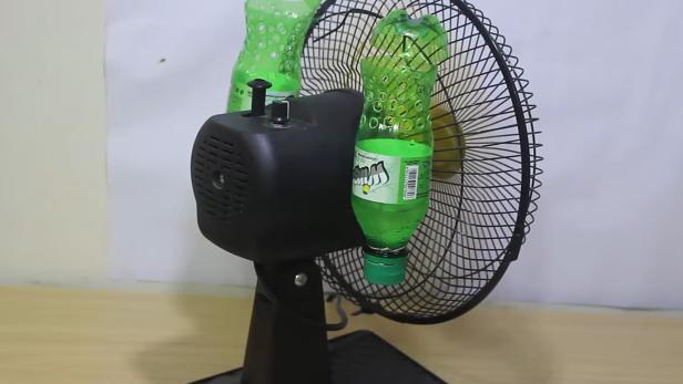 warum eine mit eis gef llte flasche als klimaanlage versagt. Black Bedroom Furniture Sets. Home Design Ideas