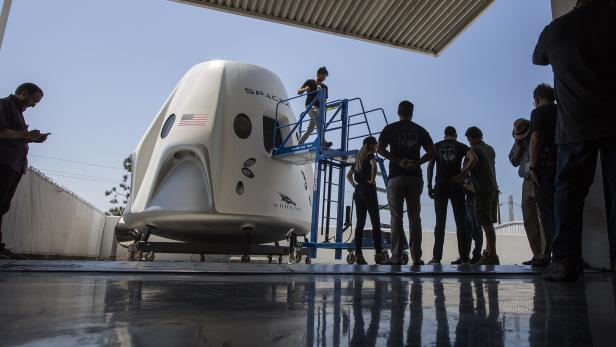 US-SPACEX-PREPARES-FOR-FIRST-MANNED-SPACEFLIGHT-WITH-NASA-ASTRON