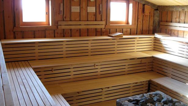 versteckte kamera in der sauna