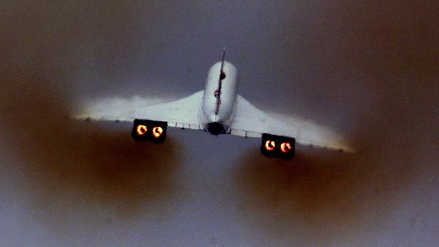 FILE PHOTO: A British Airways Concorde takes off from London's Heathrow airport