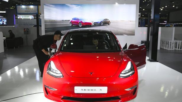 Teslas Model 3 War Im März Das Meistverkaufte Auto In Der Schweiz