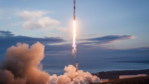 So könnt ihr den Start der SpaceX Starlink-Mission live