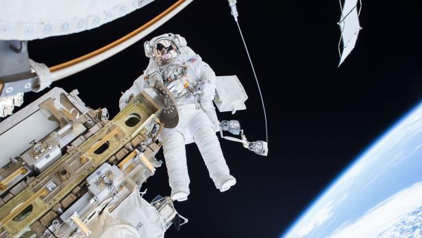 TOPSHOT-US-SPACE-NASA-ISS