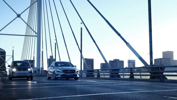 20190101_now_vehicles_on_bridge_2480_0.jpg