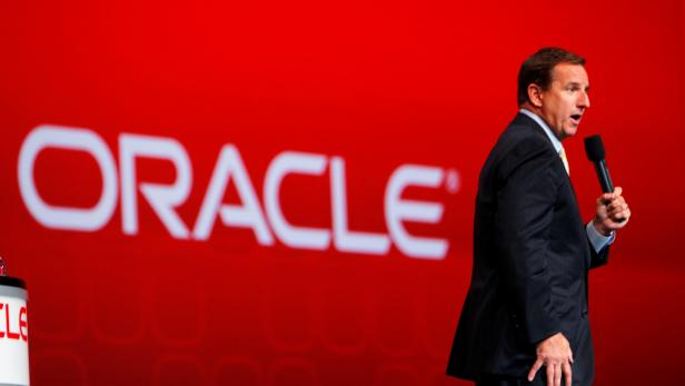 FILE PHOTO: Oracle CEO Hurd speaks at Oracle Open World in San Francisco