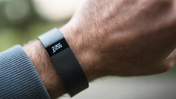 New Fitbit Force, sport fitness tracker