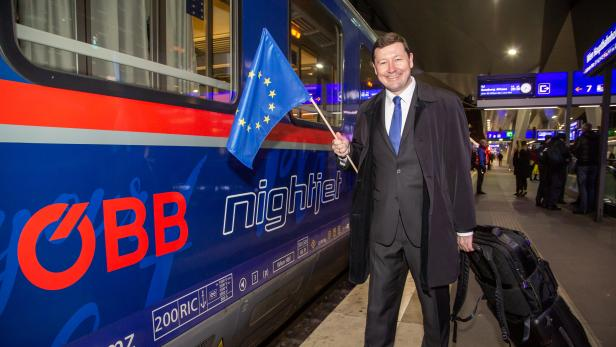 Martin Selmayr im ersten Nightjet nach Brüssel an Bord