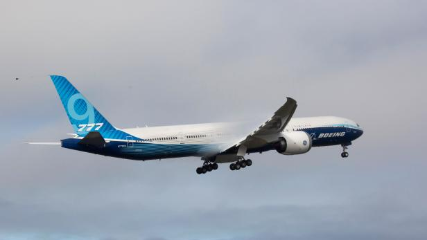 us-aerospace-transport-boeing-777x-aviation