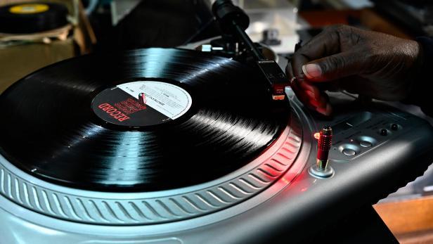 KENYA-MUSIC-VINYL-RECORDS-FEATURE