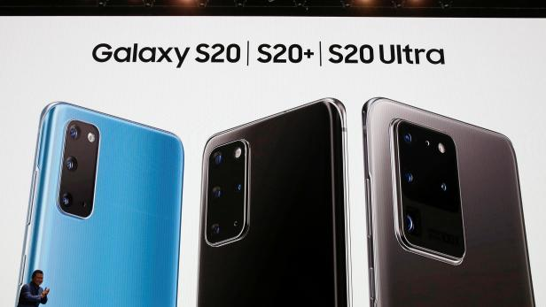 TM Roh of Samsung Electronics unveils the Galaxy S20, S20+ and S20 Ultra smartphones during Samsung Galaxy Unpacked 2020 in San Francisco