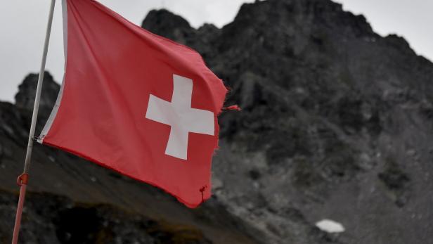 SWITZERLAND-ENVIRONMENT-CLIMATE-NATURE-GLACIER