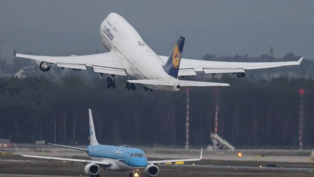 Coronavirus - Luftverkehr geht zurück