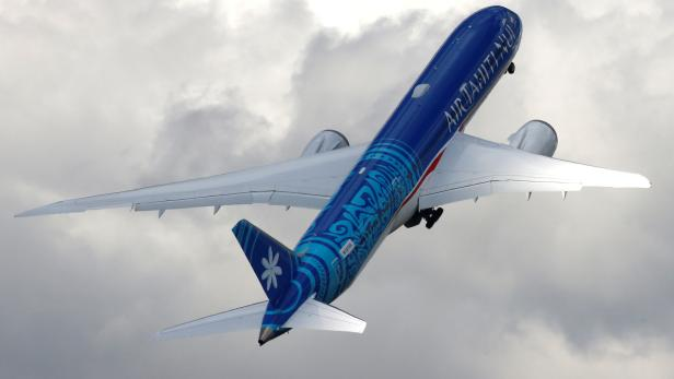 An Boeing 787-9 Dreamliner of Air Tahiti Nui company performs during the 53rd International Paris Air Show at Le Bourget Airport near Paris