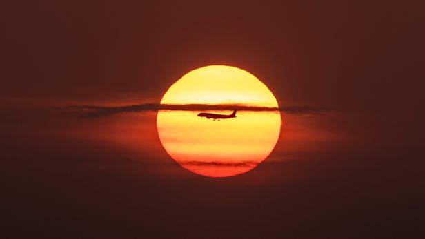 TOPSHOT-PANAMA-SUNRISE-FEATURE