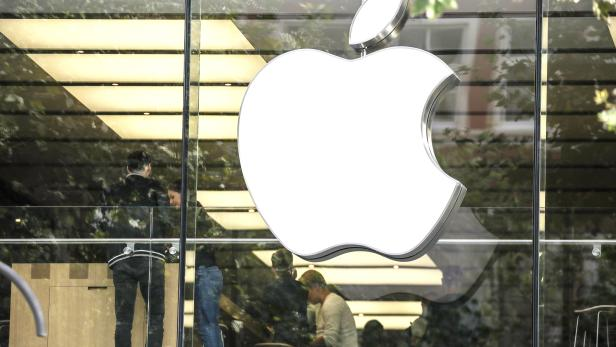 New Apple products go on sale at Apple Store in Frankfurt Main