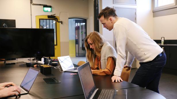 "Dutch medtech start-up developed a virtual reality app Reducept to ""kill"" patients' pain in Leeuwarden"