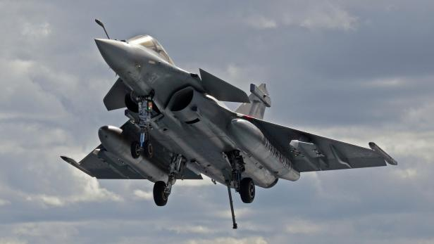 FRANCE-NAVY-CARRIER-IS-DEFENCE