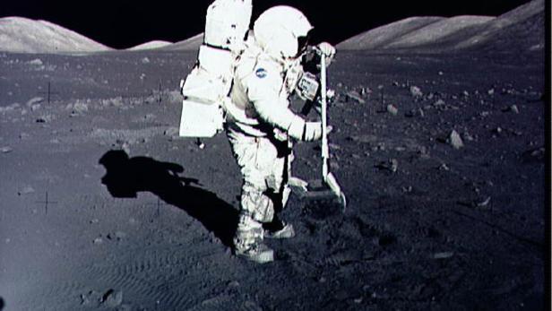 FILES-US-SPACE-MOON-ROCKS-SCIENCE