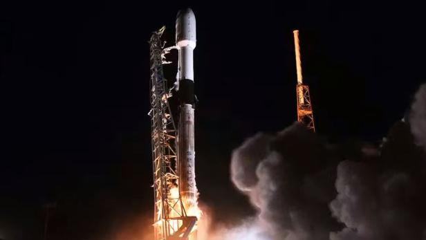 US-AEROSPACE-SATELLITE-TELECOMMUNICATIONS-SPACE