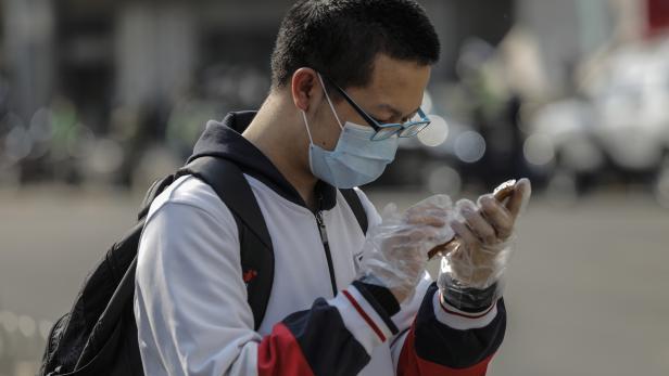 Beijing school reopens for senior students amid coronavirus pandemic