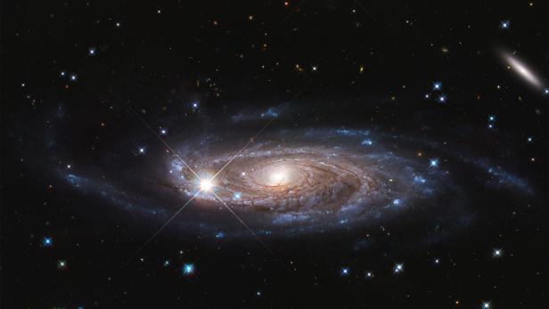 SPACE-GALAXY-UGC 2885