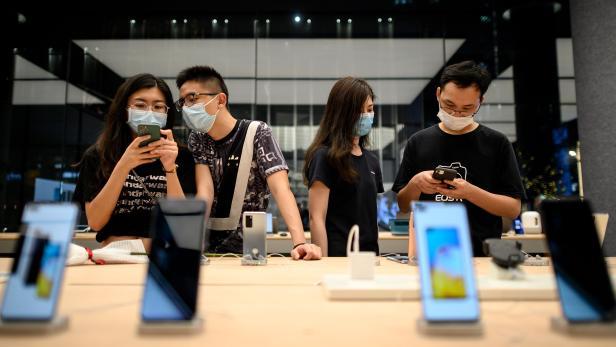 CHINA-US-TRADE-HUAWEI-HEALTH-VIRUS