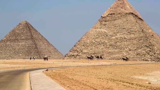EGYPT-TOURISM-HEALTH-VIRUS
