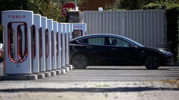 US-CALIFORNIA-GOVERNOR-NEWSOM-ANNOUNCES-BAN-OF-GAS-POWERED-CARS-