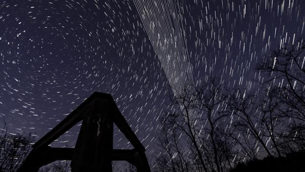 Starlink satellites above Salgotarjan