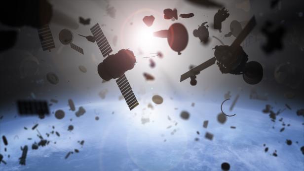 Zerstörte Satelliten im Weltall