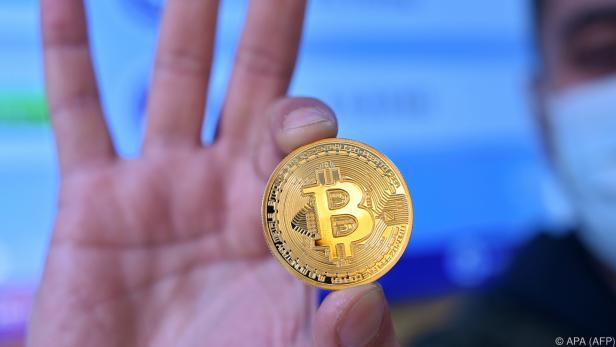 Kryptowährung Bitcoin glänzt immer goldener