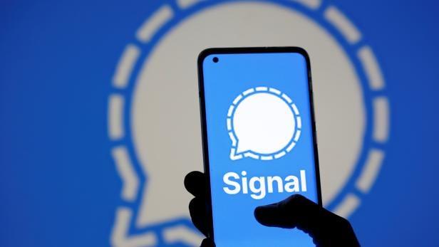 Photo illustration of Signal messaging app