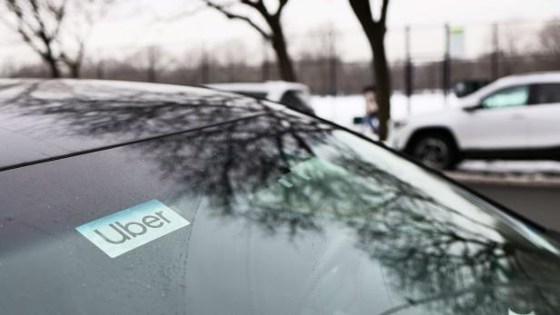 US-WALGREENS-TO-PARTNER-WITH-UBER-TO-OFFER-FREE-RIDES-FOR-VACCIN