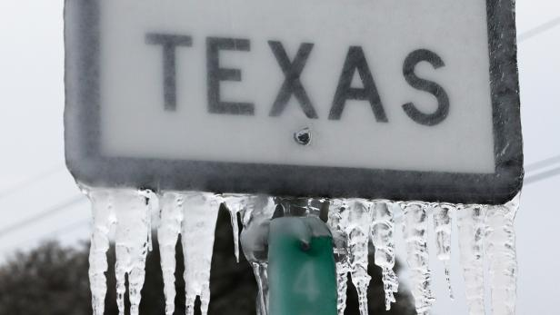 US-TEXAS-STRUGGLES-WITH-UNPRECEDENTED-COLD-AND-POWER-OUTAGES