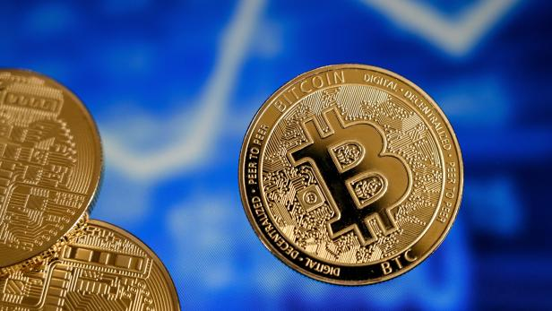 Cryptocurrencies Hype: Bitcoin exceeded the mark of 50,000 dollars