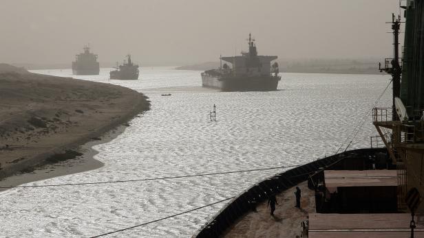 FILES-EGYPT-TRANSPORT-SUEZ-CANAL